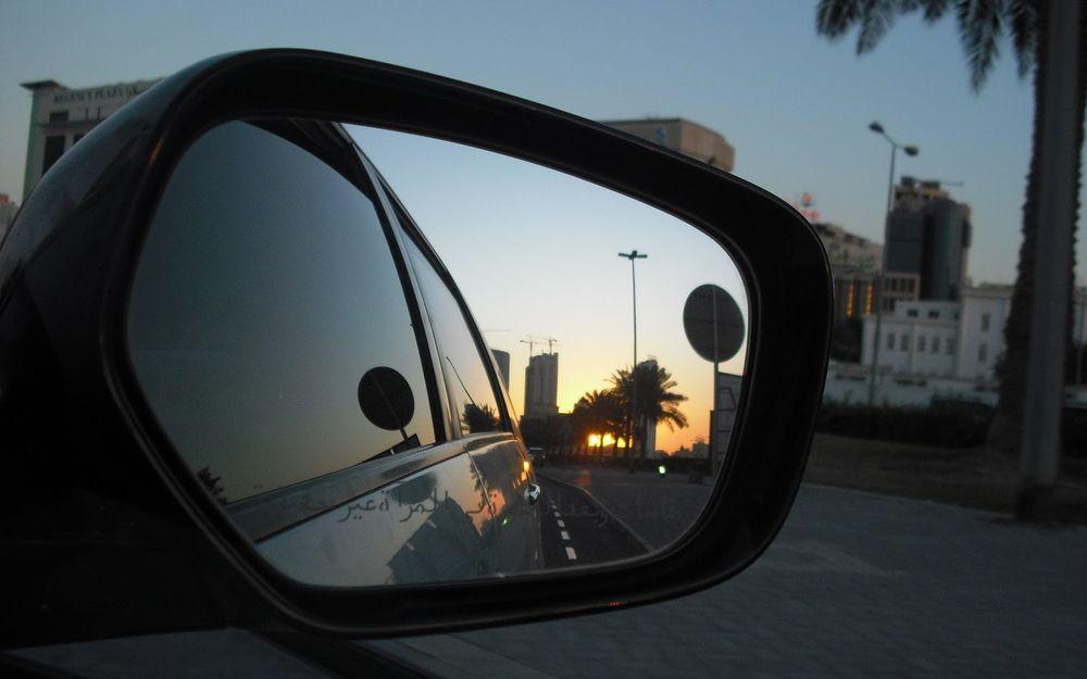 Bahrain - 倒後鏡中的日落