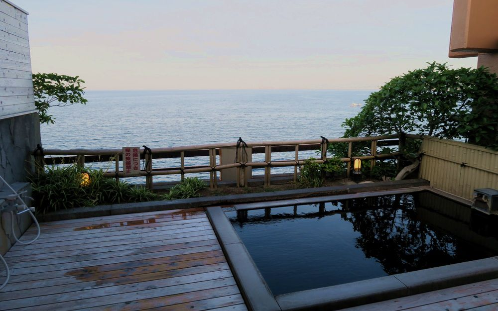 別府溫泉旅館的露天風呂