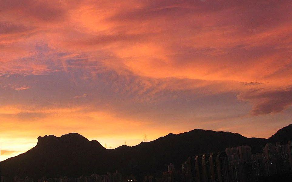 日落的獅子山