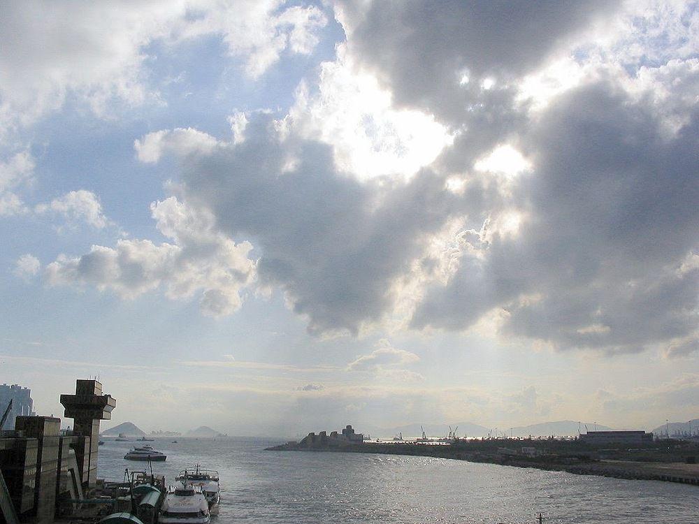 尖沙咀中港城平台 - 燦爛陽光