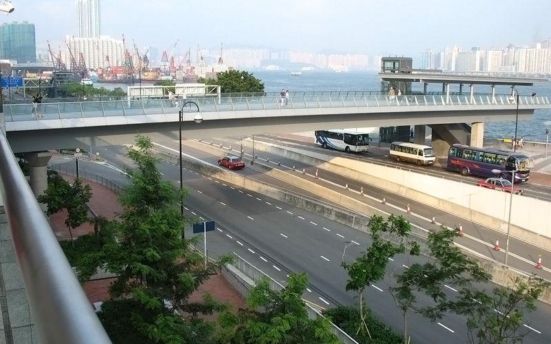尖沙咀東海濱平台花園 天橋