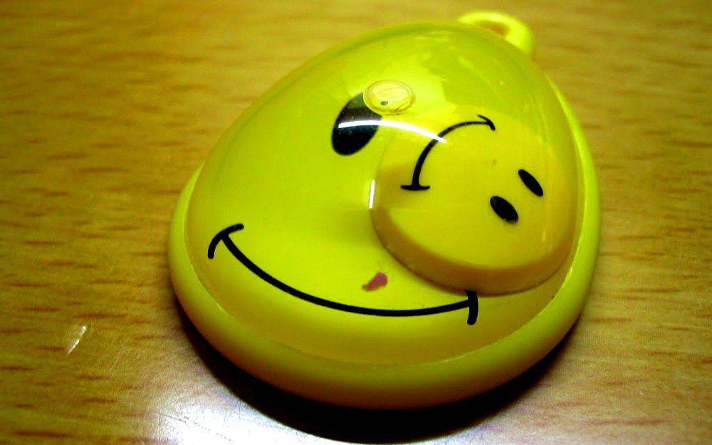 黃色笑臉飾物