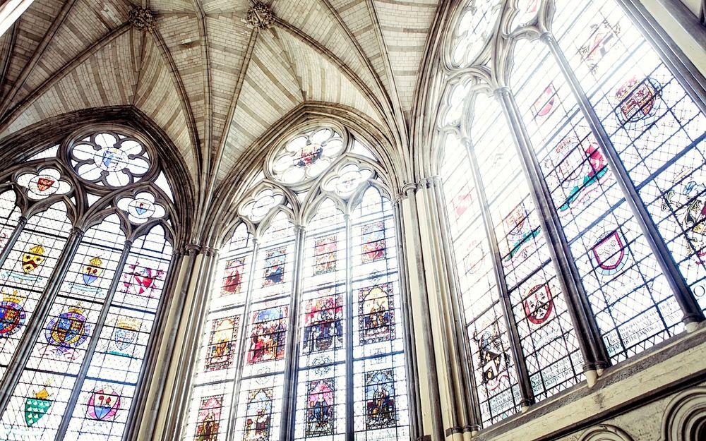 教堂彩繪玻璃窗
