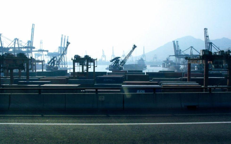 香港貨櫃碼頭2005