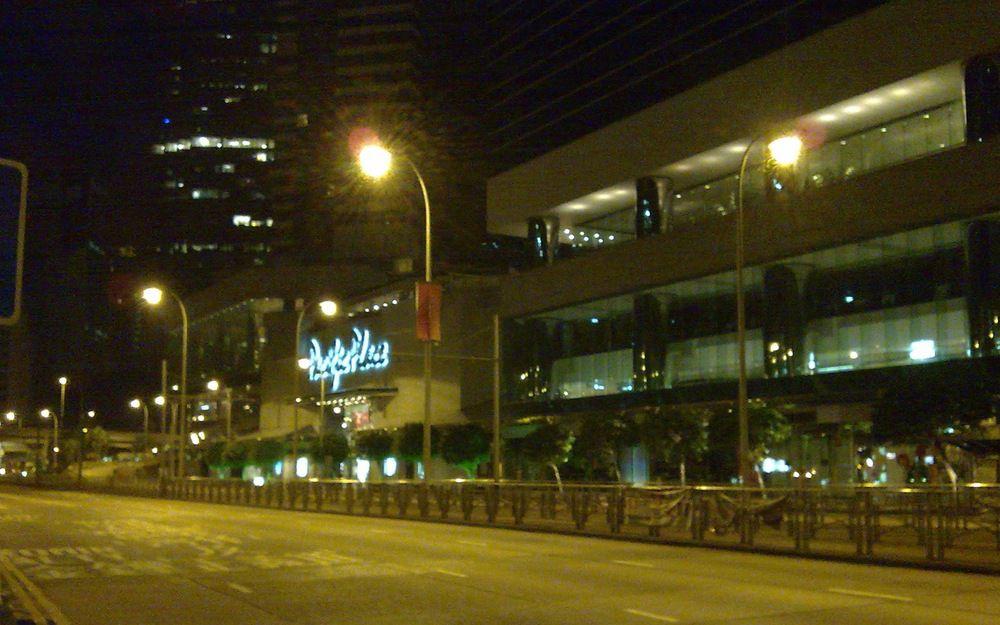 金鐘Pacific Place外的夜深