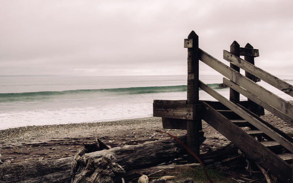 灰沉的海岸