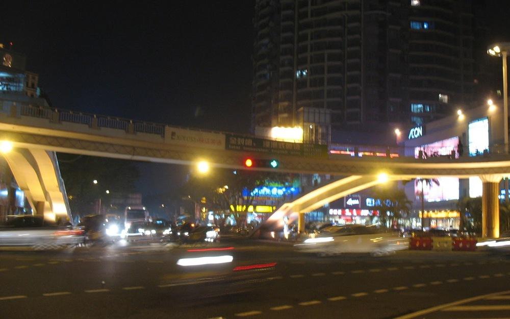 中山街頭晚上